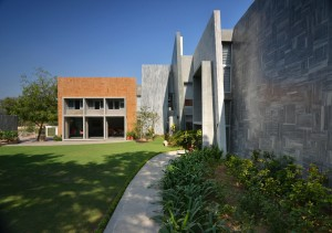 gurjit_matharoo_ahmedabad_architect_house_farmhouse_Interior_exterior_architecture_rooms_photography_bharat_aggarwal_ (15)