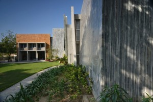 gurjit_matharoo_ahmedabad_architect_house_farmhouse_Interior_exterior_architecture_rooms_photography_bharat_aggarwal_ (17)