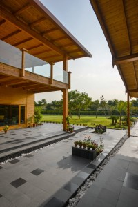 archohm_interior_architecture_noida_india_photography_bharat_aggarwal_exterior_delhi_wooden_house_wood (10)