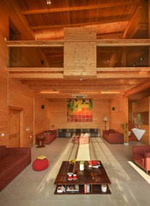 archohm_interior_architecture_noida_india_photography_bharat_aggarwal_exterior_delhi_wooden_house_wood (9)